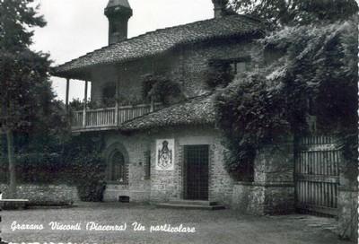 Particolare case